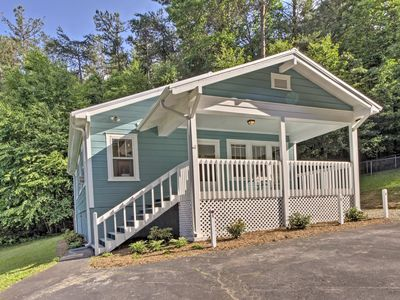 Photo for NEW! Hendersonville Cottage - 20 Mins to Asheville