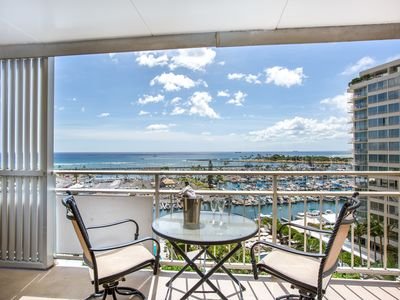 New Listing, special price! Spectacular ocean view 2br/2ba Ilikai Luxury suites