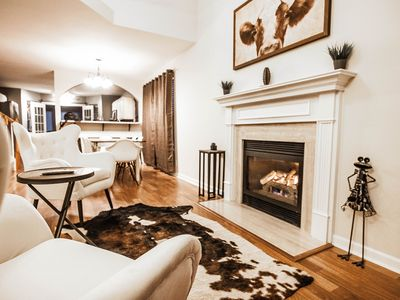 Photo for Luxurious Franklin Experience! 5min To Downtown