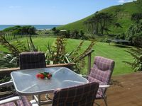 Great location for a relaxing getaway, perfect for the dog, cliff walk was nice, bach was very homel