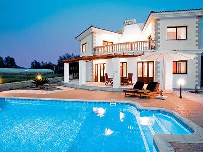 Photo for Villa with fantastic sea views, private pool, PlayStation 2, free Wi-Fi