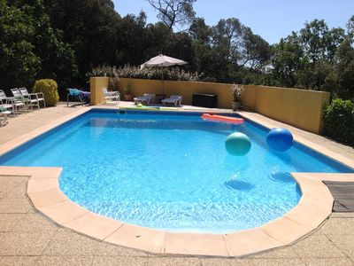Photo for Provence Pool house with splendid view 6 + 2 persons