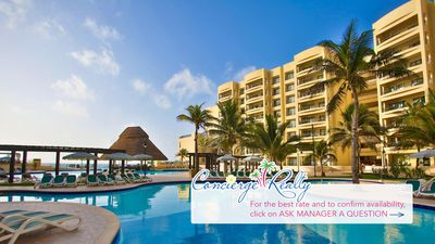 Photo for One bedroom suite at this beautiful oceanfront resort!
