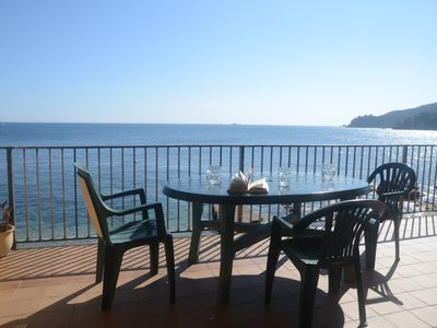 Photo for 3 bedroom Apartment, sleeps 5 with Air Con
