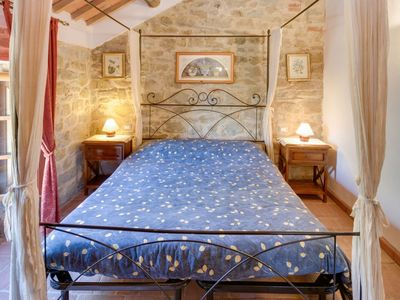 Photo for Apartment in Civitella In Val di Chiana with Parking, Air conditioning, Pool, Garden (289889)