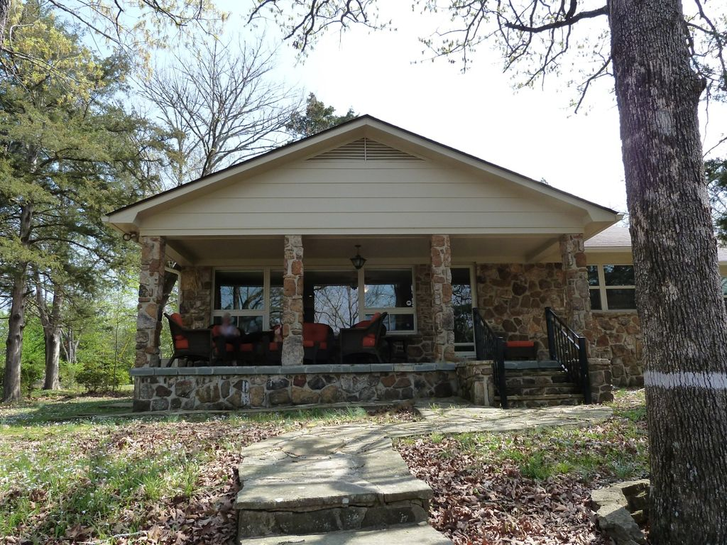 Sunset lodge on the cove heber springs for Sunset lodge