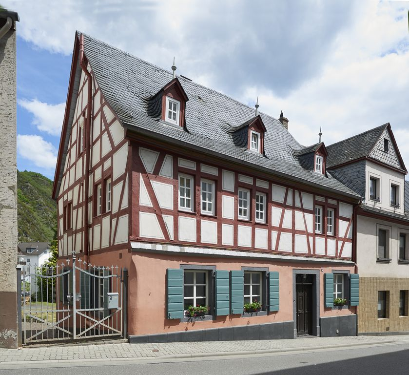 half timbered house with garden all bedrooms have their own bathroom treis karden rhineland. Black Bedroom Furniture Sets. Home Design Ideas