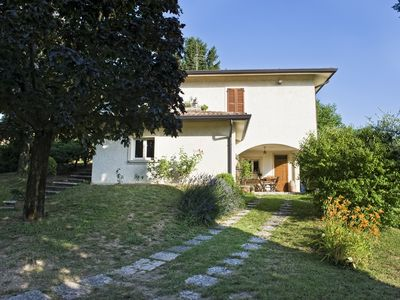 Photo for Bright villa on the hills of Lake Garda