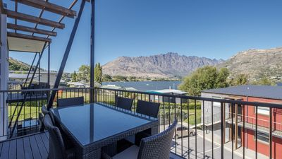 Photo for Waterfront apartment | Amazing views | Modern and comfortable