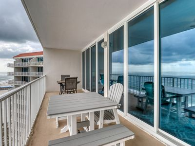 Photo for Remodeled beachfront condo w/ multiple resort pools, hot tubs & gym!