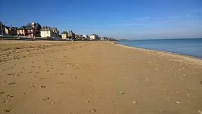 Photo for Beach 2 minutes walk - landing beaches - large walled garden