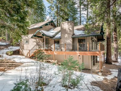 Photo for Beautiful cabin w/ wood stove, wraparound deck, & full kitchen - close to lake!