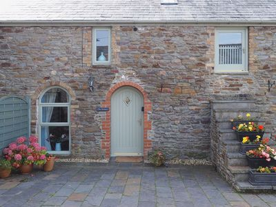 Photo for 2 bedroom property in Gower Peninsula. Pet friendly.