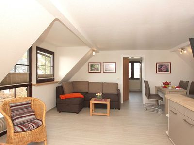 Photo for 05: 58m², 2-room, 4 persons, balcony, WL - F-1011 Haus Lobbe 29a in Lobbe