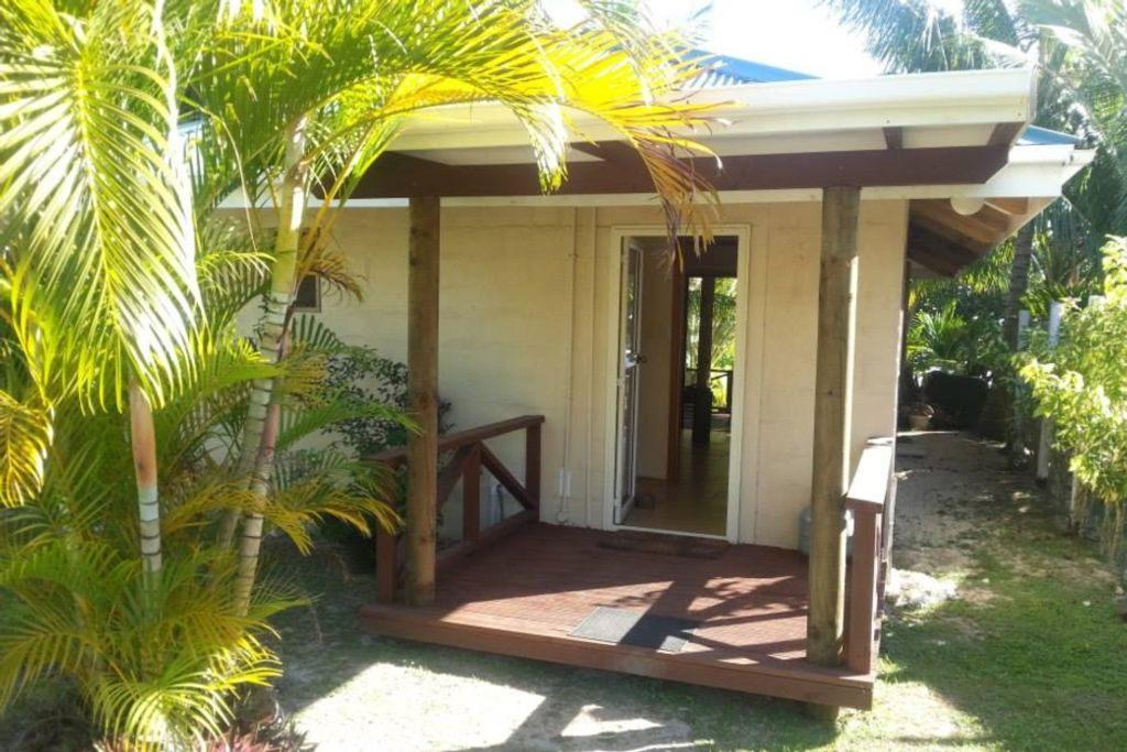 Sunset Palms Rarotonga - Beach Bungalow