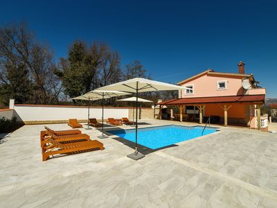 "Photo for Detached holiday home with swimming pool for up to 13 perosns ""Villa Matic"""