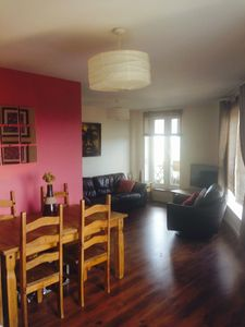 Photo for Beautifully Presented 2 Bed Apartment for up to 5 People in Prime Location.