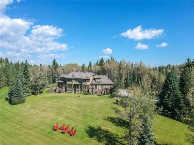 Photo for Stunning Country Estate in Bragg Creek/Canadian Rockies with Swimming Pool
