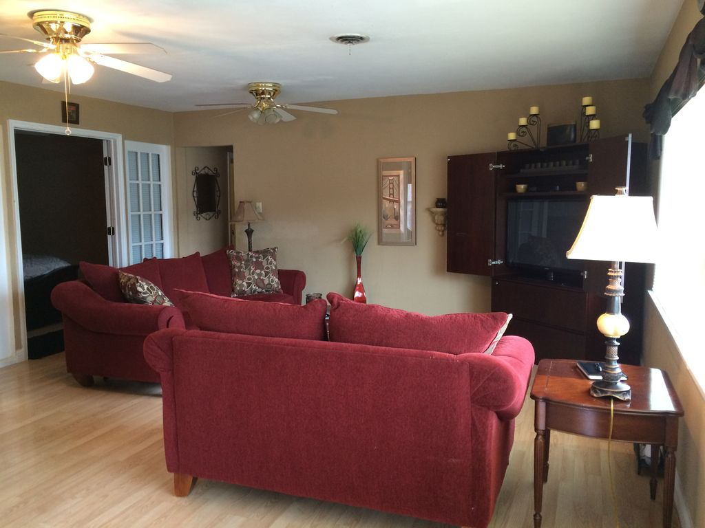 Luxury Villa Ste A,  1 Mile to Six Flags & Hidden Valley!