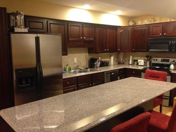 Upscale two bedroom townhouse 5 STARS Book early