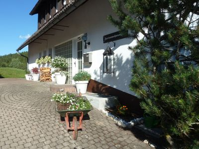Photo for Lovingly furnished apartment few minutes from forest / ski lift.
