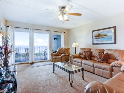Photo for 3rd Floor 2 Bedroom/2 Bath Oceanfront condo sleeps 6 guests.  Oceanfront balcony and pool.