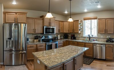 Fully furnished gourmet kitchen