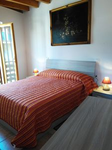 Photo for Cozy modern Room, with Private Toilet 10 min from the beach!