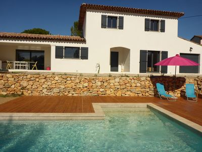Photo for Spacious Provencal villa 2 to 8 pers. quiet, village and market walk