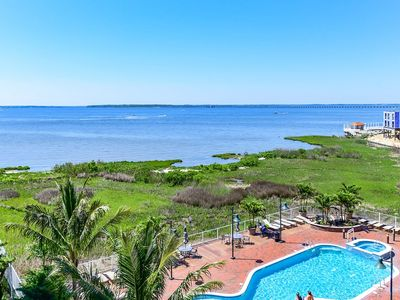 Photo for 2 Bedroom condo with bay views, indoor pool, and close to Convention Center