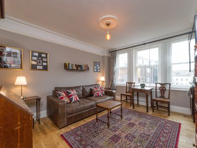 Photo for Charming and characterful apartment in the heart of London, walkable everywhere