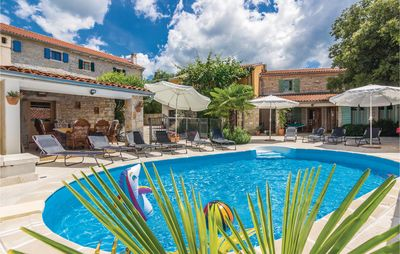 Photo for 5 bedroom accommodation in Burici