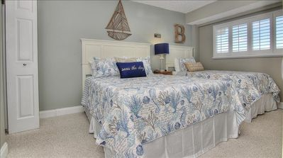 Guest Bedroom w/Queen & Twin Beds