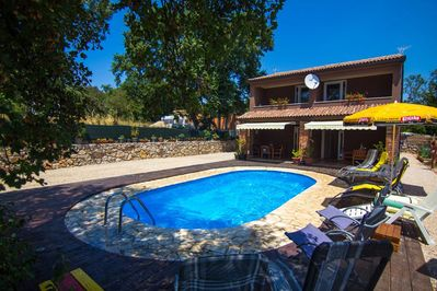 Modern Holiday house - private pool, children's playground, parking, garden, quiet area - 1