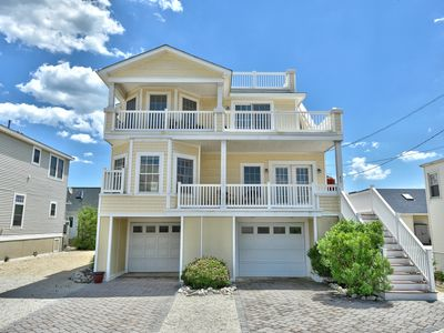 Photo for Contemporary for the family in Beach Haven - walk to all attractions