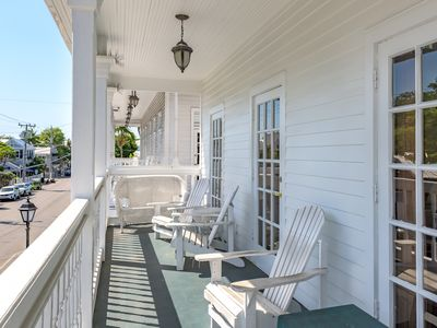 Cuban Club Suites - 2 Bed/2 Bath - Shared Pool - Sleeps up to 8- Summer Rates
