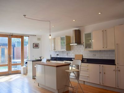 Photo for Spacious, Bright & Modern 3 Bedroom Family Home