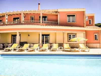 Photo for Albufeira Lounge Guesthouse - Double room with private bathroom