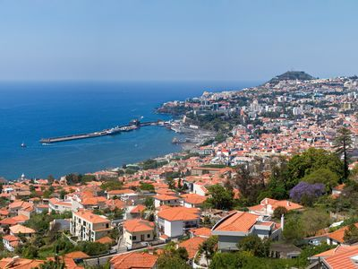 Photo for Funchal Centre 10m Away, Balcony with Sea View for Al fresco Dining, Near Golf