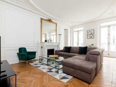 Photo for LARGE APARTMENT IN THE 7TH - SAINT-SULPICE - ST. GERMAIN