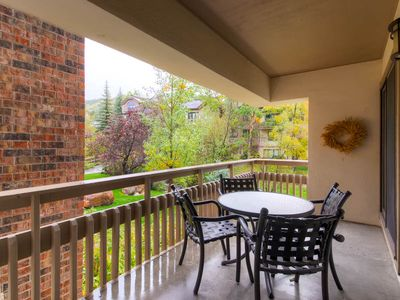 Photo for Beautiful Condo for Summer Getaway w/ Onsite Hot Tubs