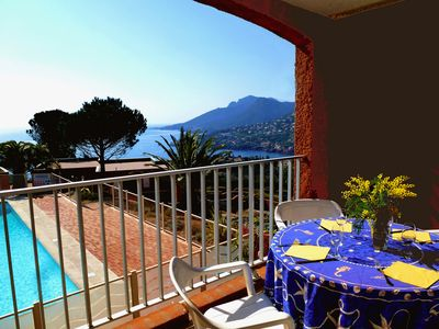 Photo for Rent in Theoule S / Mer app. 2 p. 4-5 pers. south, stunning sea views, swimming pool ...