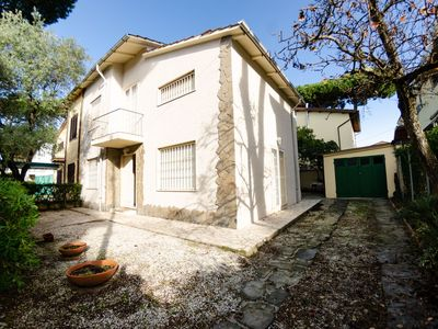 Photo for Vacation Home in Lido Di Camaiore with 4 bedrooms sleeps 8