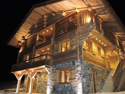 Photo for Luxury Chalet 18 pers 500 m2 6 suites on the slopes with sauna and swimming pool
