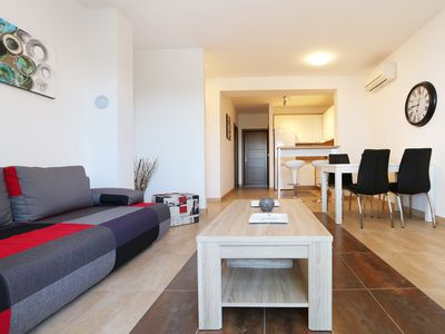 Photo for New and modern apartment with two bedrooms only 350m from centerun and