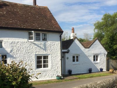 Photo for BLYTHE COTTAGE, pet friendly in Piddinghoe, Ref 944934