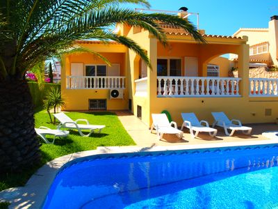 Photo for Holiday home with private swimming pool and free wifi