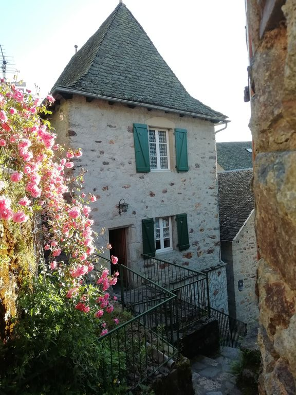 Charming 18th Century House In The Historic Center Of The Village With