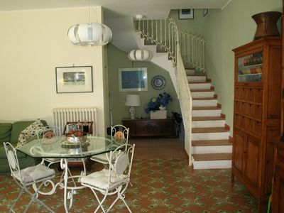 Photo for Cozy and elegant villa, with garden, a few meters from the sea