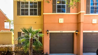 Photo for Reunion townhome with shaded lanai - close to the attractions of Orlando